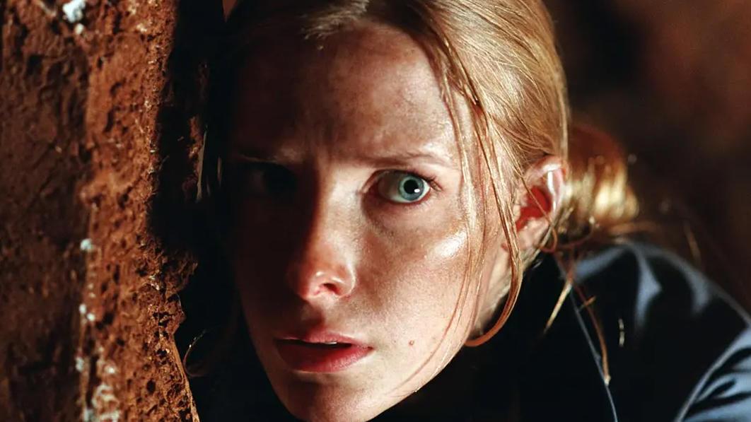 胆小者看的恐怖电影解说:几分钟看完英国恐怖电影《黑暗侵袭》