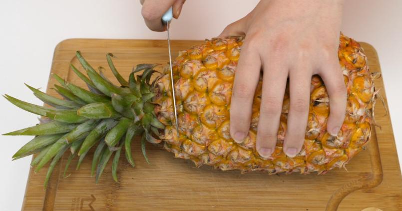 #切水果,菠萝#吃了这么多年的凤梨,今天才知道还可以这样切,厉害了