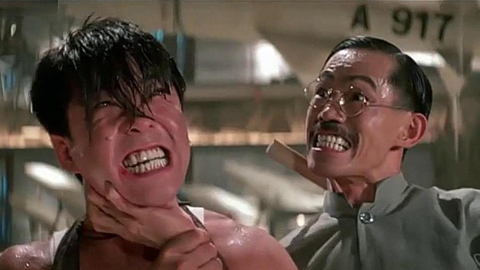 #经典看电影#元彪和元华一言不合就开打,元彪的肩胛骨也差点被师兄给卸了