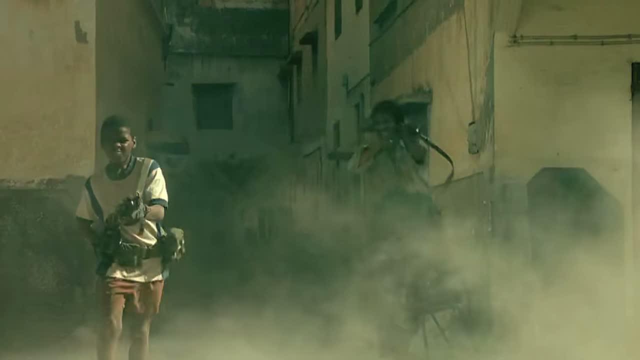 美国大兵进攻城镇,放眼一望数百筒RPG真刺激