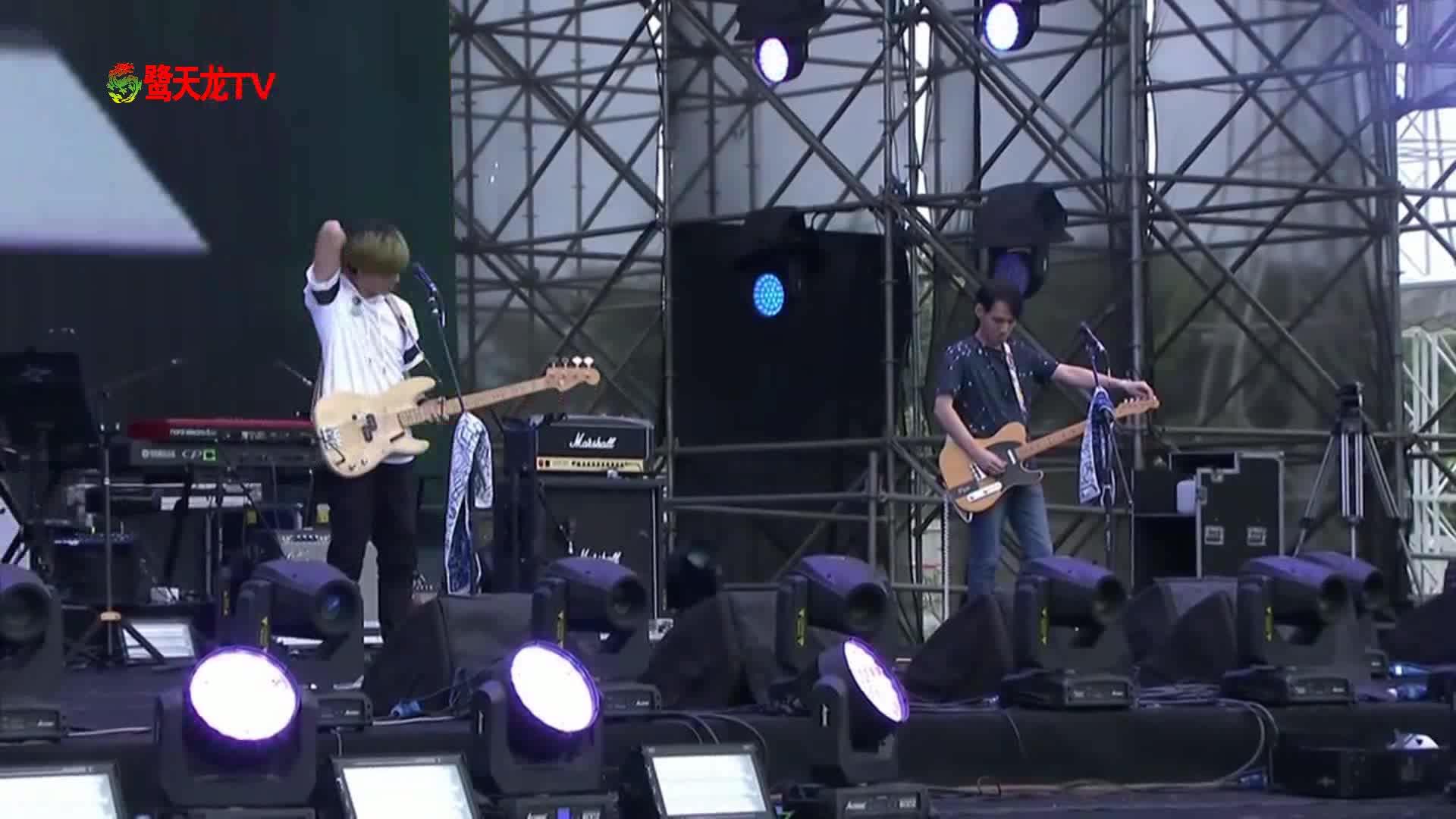 2017成都春浪音乐节:FLUX《Water》