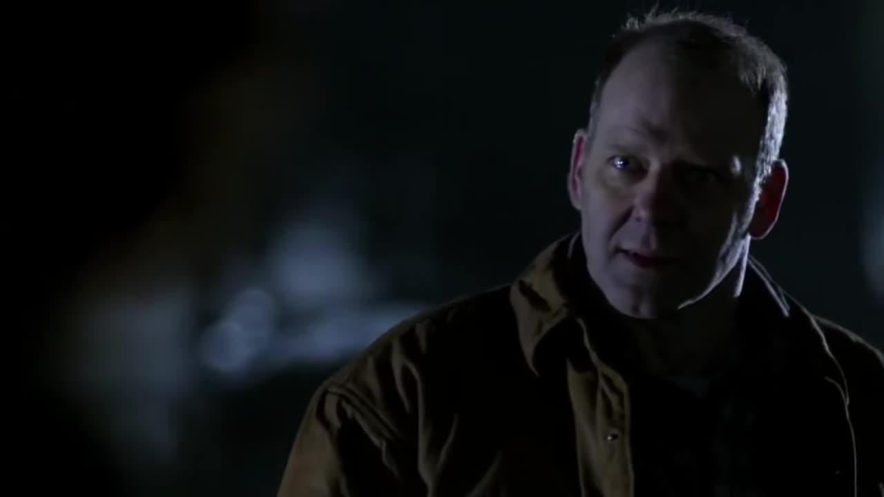 迪恩坟场遇到老相识,被萨姆打的措手不及,迪恩愤怒了