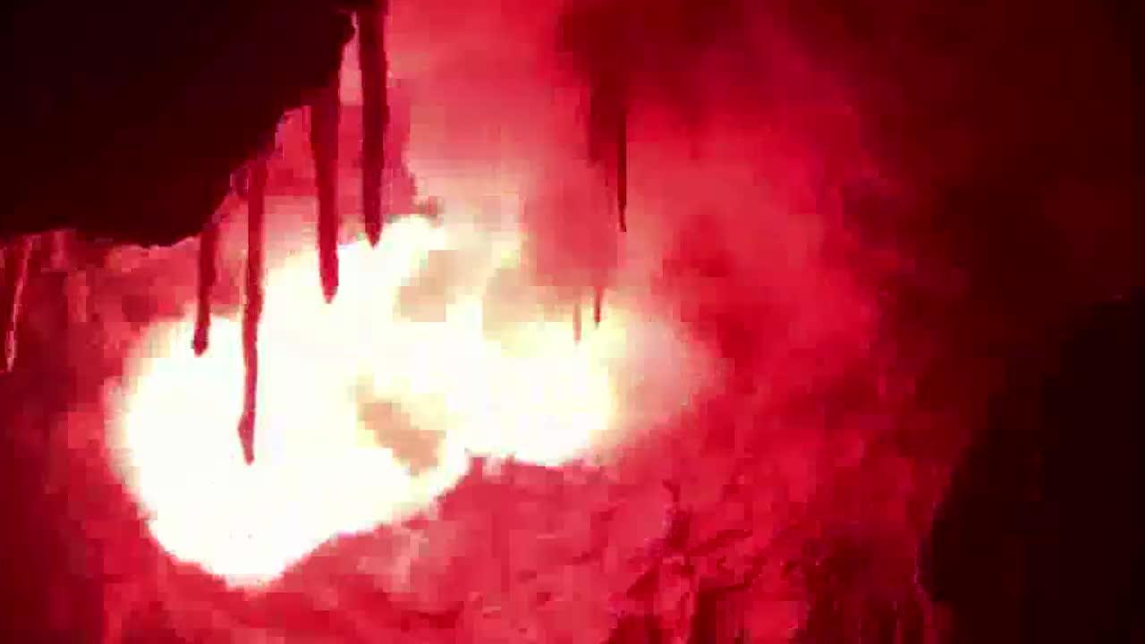 教授不靠谱的第六感,山洞内神秘的深坑