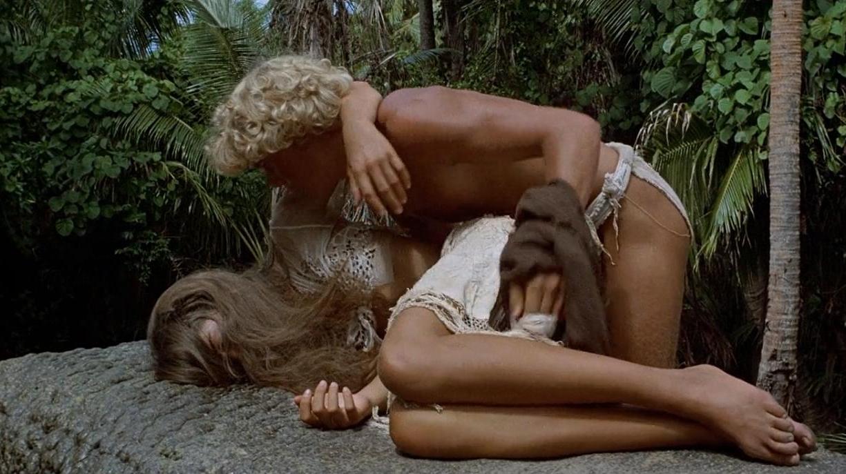 #经典看电影#少男少女流落荒岛怀孕生子,多年后竟然拒绝救助,只想过二人世界