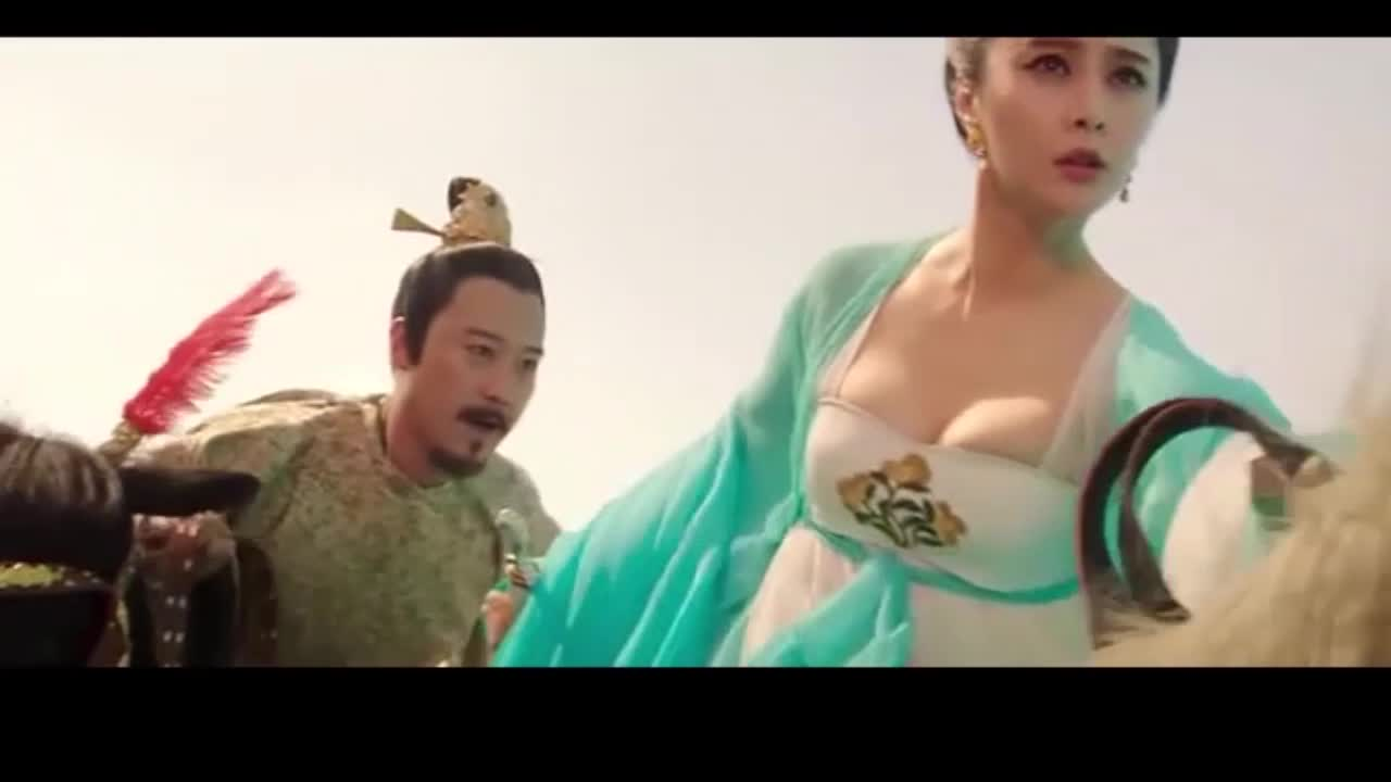 #影视#冰姐在马上就被皇上推倒了,