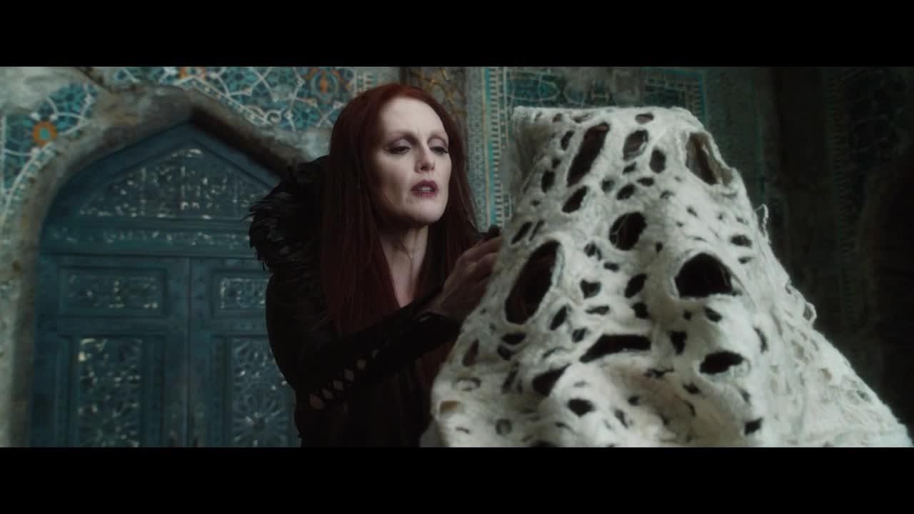 猎魔师究竟对这个女人做了什么,一句你回来了,用魔术却变回模样