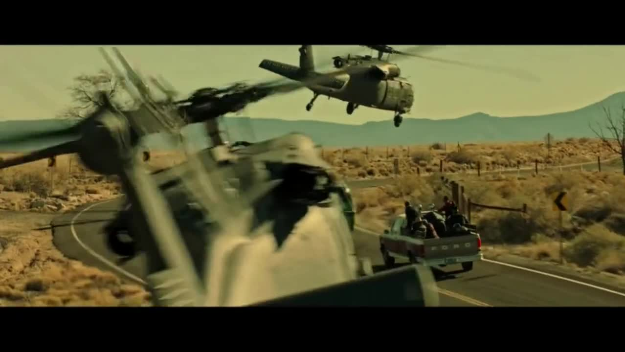 这才是真实的特种部队行动写照,对敌没有交枪不杀之说,一个不留