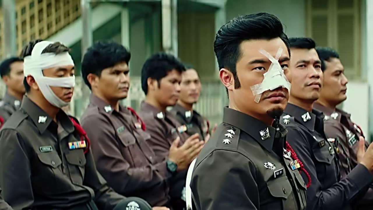 #电影迷的修养#泰哥无意撞死杀人犯,竟成了副局长,陈赫很扎心