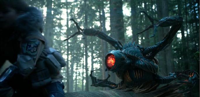 #惊悚看电影#小男孩在外星球上发现新型生命体,惨遭怪异机器人追杀!