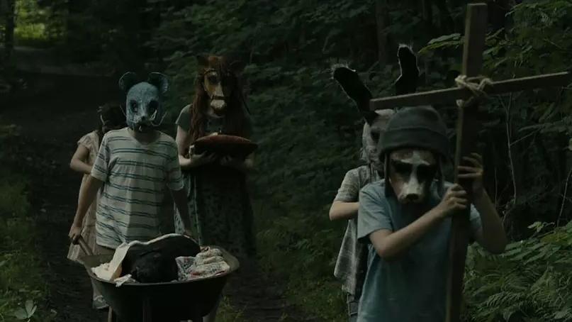 #电影最前线#《宠物坟场》一家人在新家附近树林深处,发现了一个神秘墓场