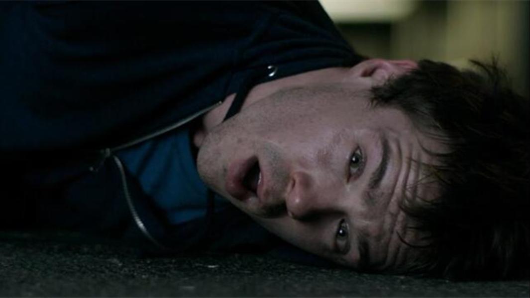 #经典看电影#丧尸小伙被治愈后,遭到家人嫌弃,忍无可忍下选择了反击!