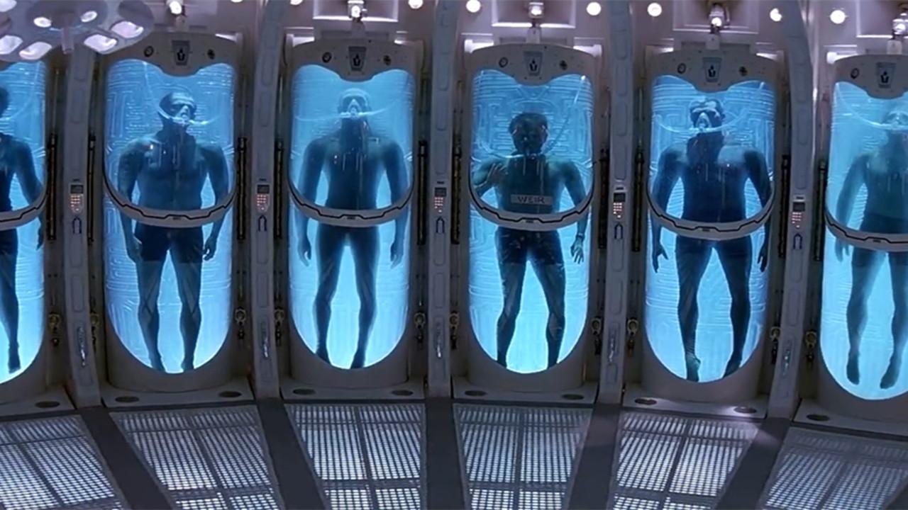 #惊悚看电影#人类想利用高科技进入黑洞,结果却去了比地狱还可怕的地方!