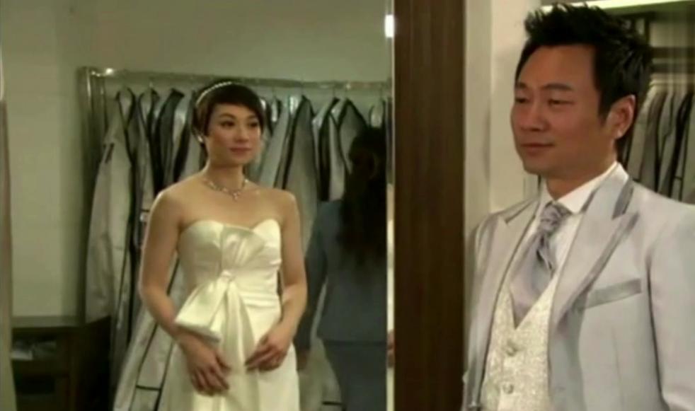 法证先锋3:学心穿上婚纱太惊艳了!男友为之倾倒!