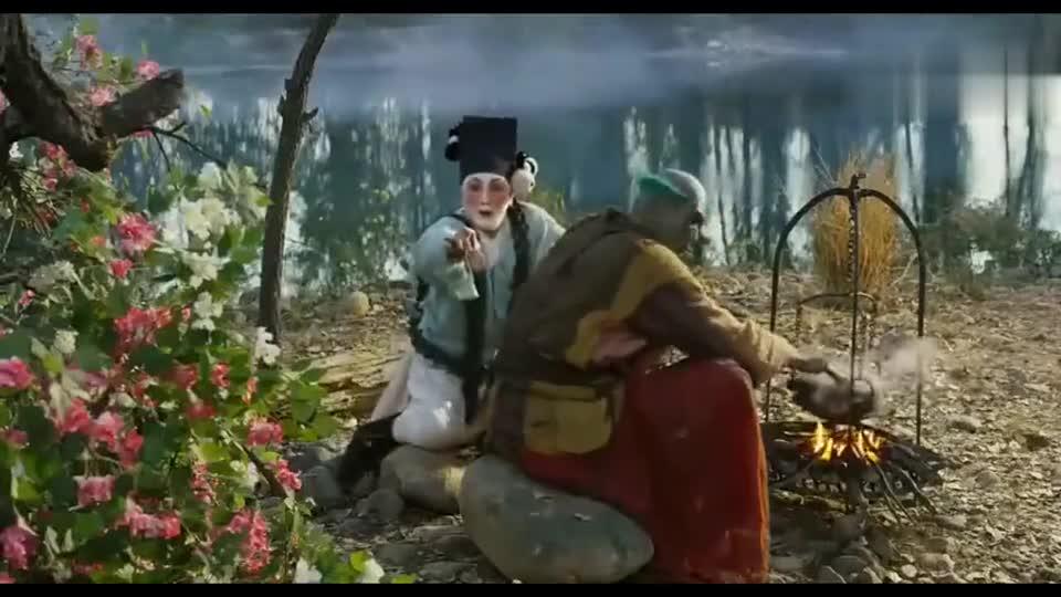 #一个电影迷的修养#《西游伏妖篇》看悟空拔出匕首的一刹那,八戒整个人都不好了!