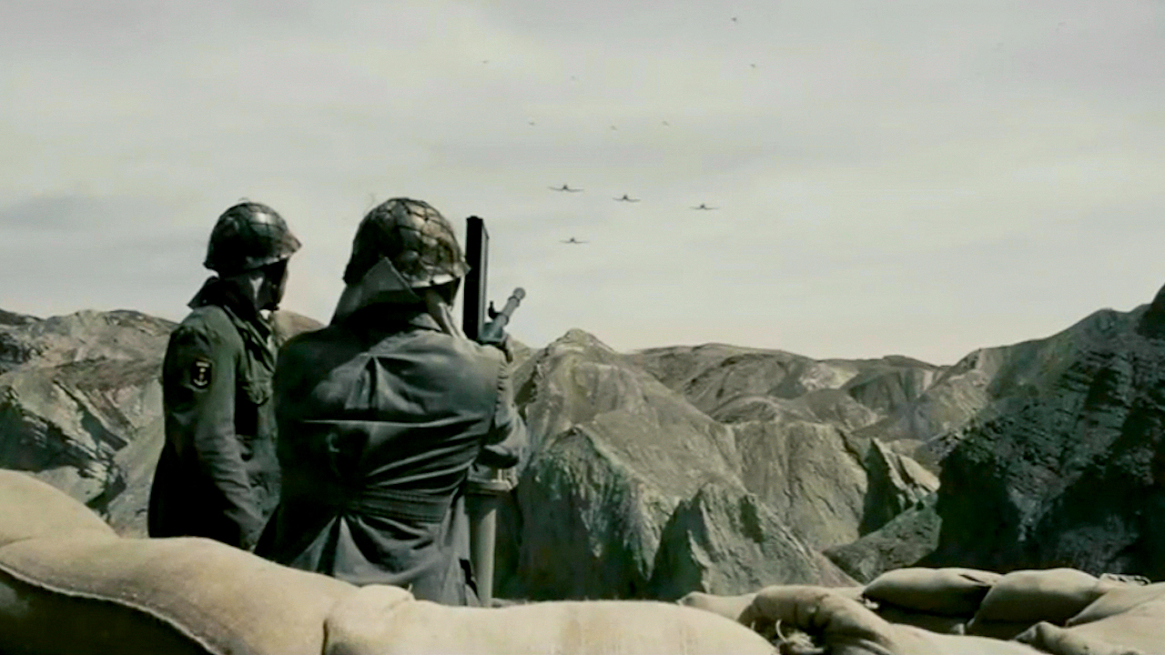 #经典看电影#非常写实直击人心的影片,日军教唆士兵,战场重点射杀医疗兵!