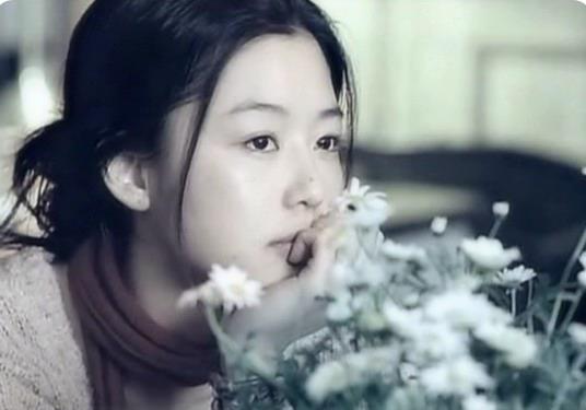 韩国经典凄美爱情《雏菊》,告诉你暗恋有多痛