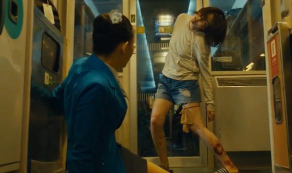 #经典看电影#高铁上意外遇到丧尸,发生危险时人性暴露无遗,令人十分心寒