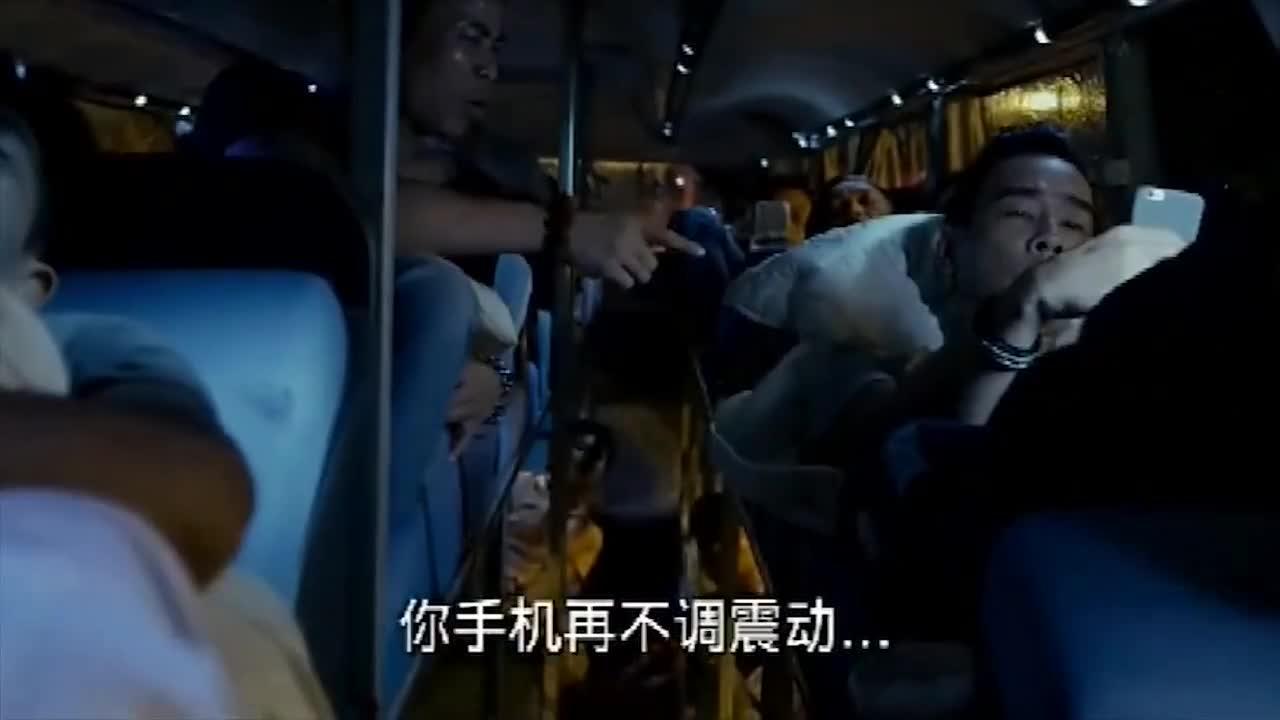 #电影#古惑仔:山鸡出狱,小混混不知死活惹上山鸡的后果只有一个!