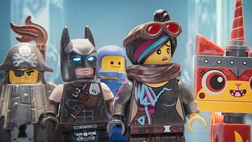 #电影最前线#《乐高大电影2》露西、蝙蝠侠一行人去做造型、全身按摩