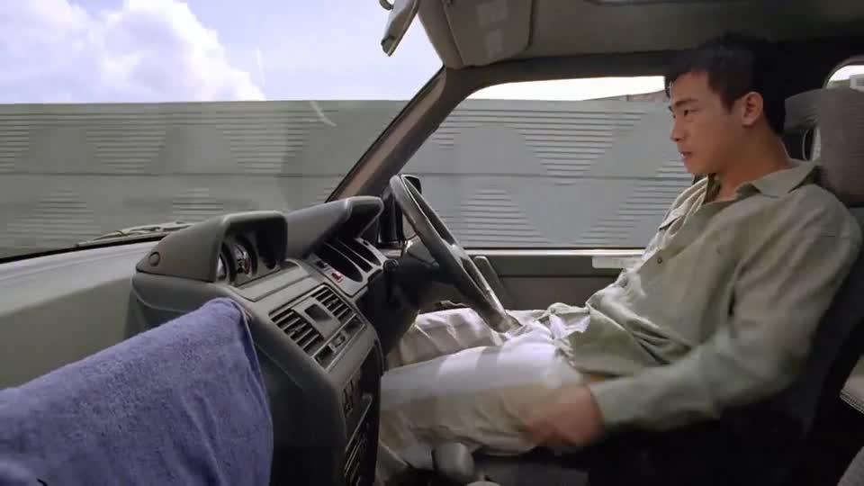 #电影迷的修养#论开车,我就服陈小春,一般司机都不敢这么开