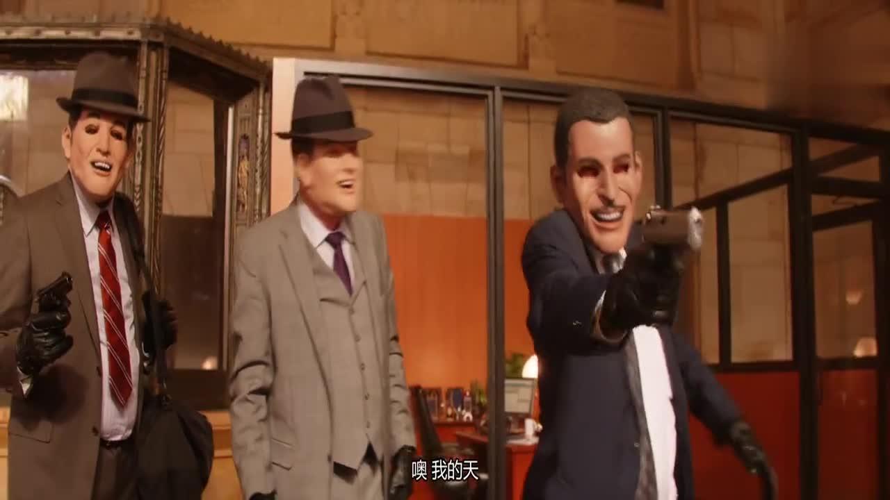 #精彩大片#抢劫犯嘲笑大叔枪法烂,对大叔一通乱射,大叔完好无损!