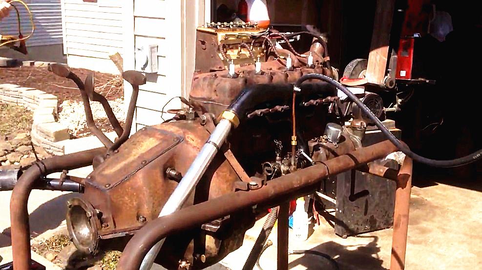 1926年的福特发动机,质量太好了,如今锈迹斑斑还能启动运行