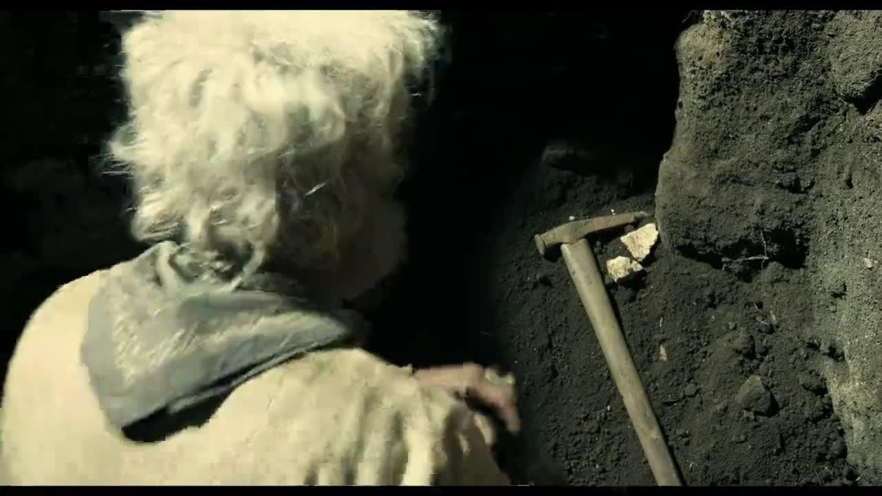 老头在这里发现了这东西,惊呆了,要发大财了
