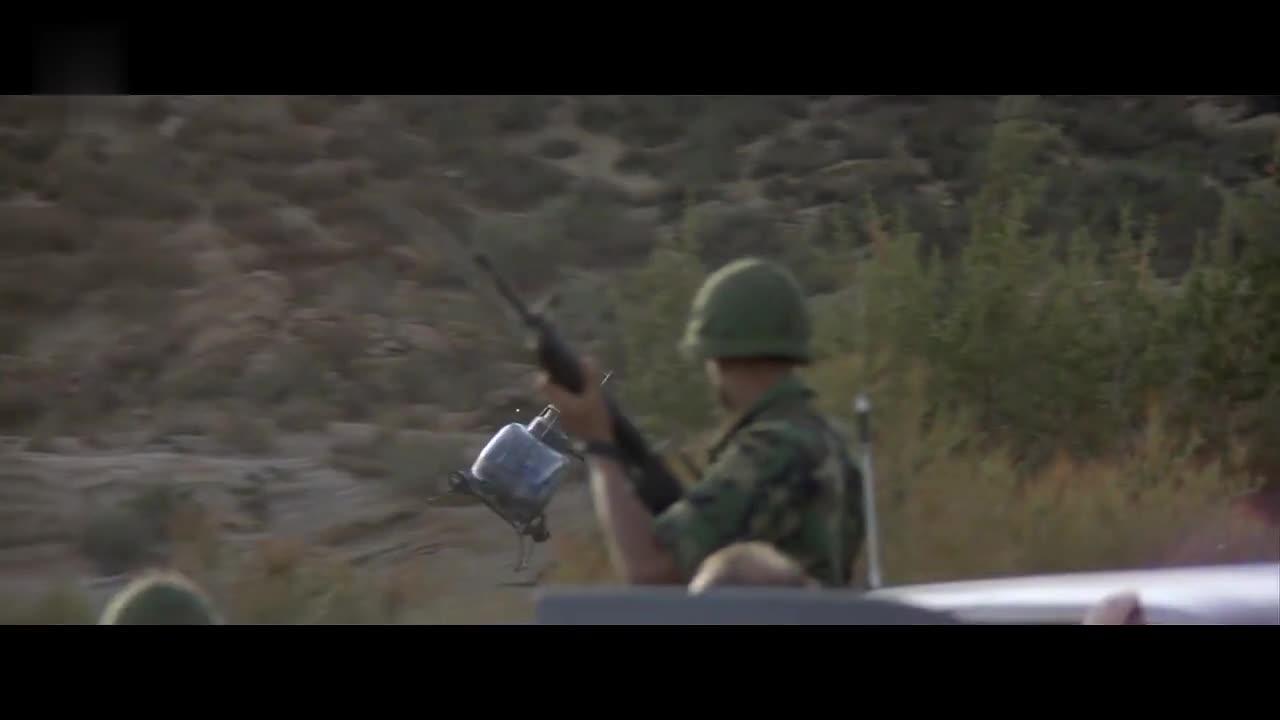 美军派出武装直升机,只为消灭被激活的机器人