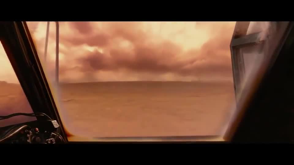 #电影迷的修养#怪物洪水般的冲过来,全靠一个人就能挡住这怕是巨型机关枪啊