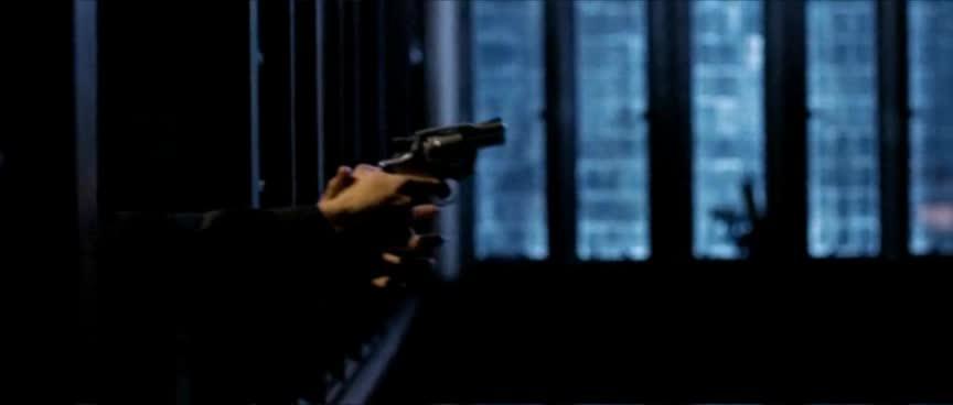 凶手摘面具真假难辨 ,搏击枪杀老师