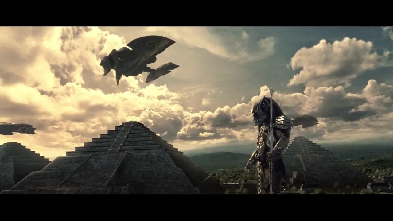 #电影迷的修养#被阿兹台克人奉为神明的铁血战士,异形只是它们的玩物而已