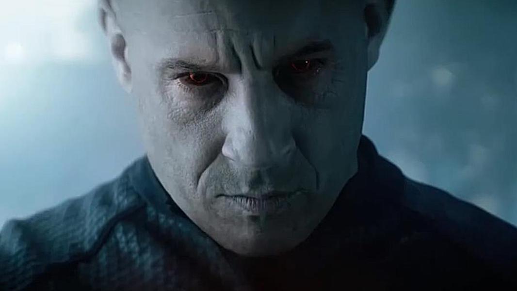 #电影迷的修养#《喋血战士》范·迪塞尔受重伤后,被尖端纳米技术救活赋予超能力