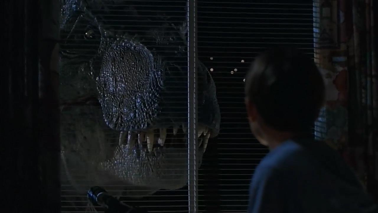 #经典看电影#一头恐龙跑到城市里,四处撒野,没人敢靠近