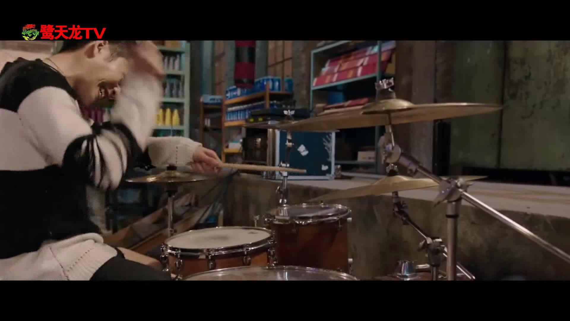 《缝纫机乐队》片段:乔杉演唱《都选C》为乐队造势
