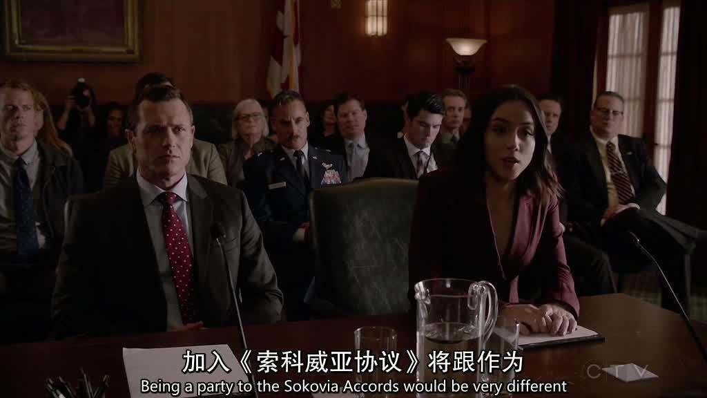 菲尔为先发制人,想在纳迪尔议员参加有关黛西的问询听证会时