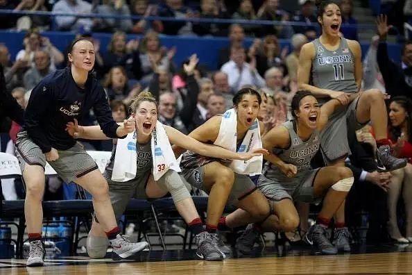 疯狂111连胜被终结!康涅狄格大学女篮加时被密西西比州绝杀!