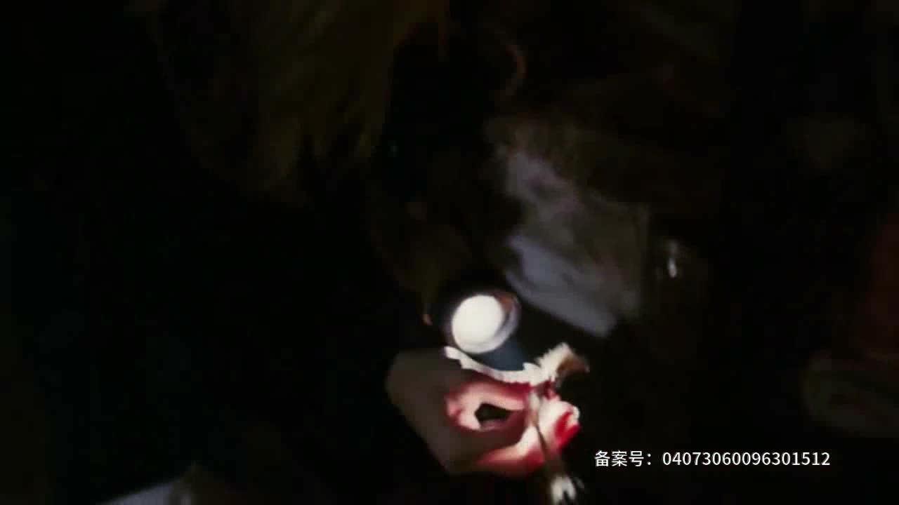 #电影片段#看得人起鸡皮疙瘩!如何逃脱巫女的法术!