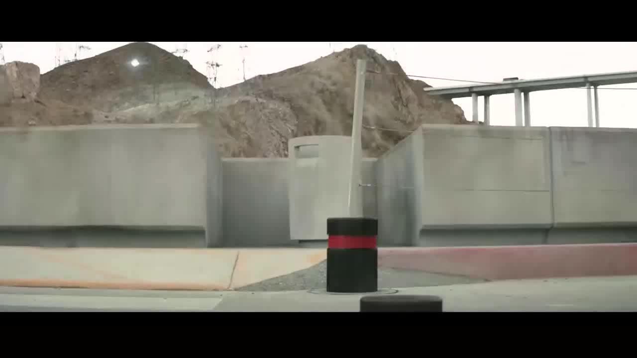 大坝突然因为地震被破坏掉了,恐怖