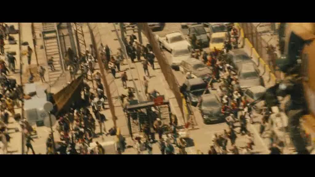 #电影片段#当丧尸爆发,再高的城墙也阻止不了他们的疯狂