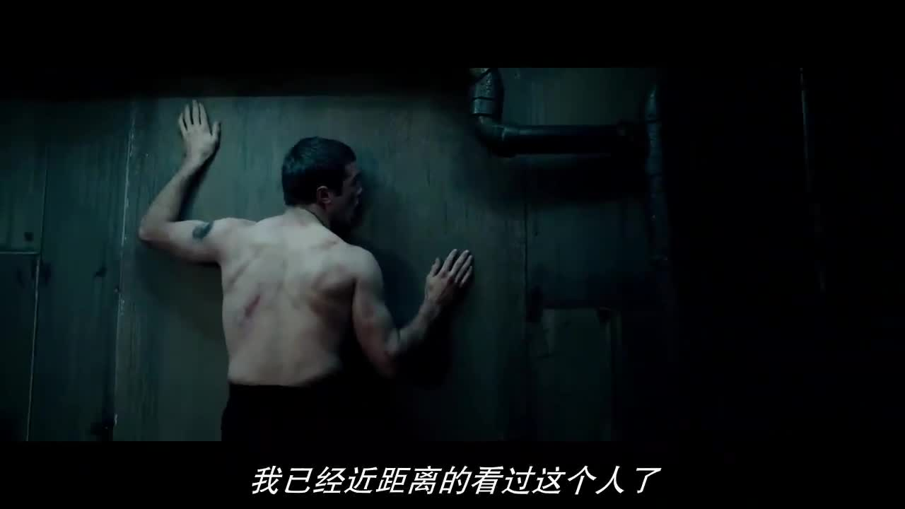 这是最可怕的刑罚,全身被502粘在墙上,动不动扯一下