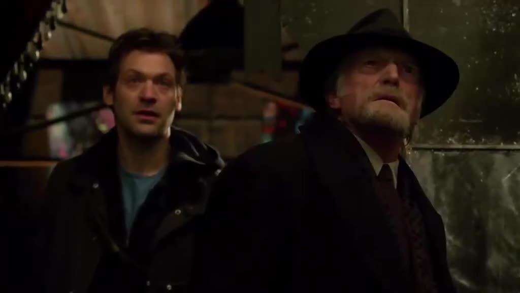 吸血鬼重伤跑路,老头懊悔不已,看来大伙的情报要更新了