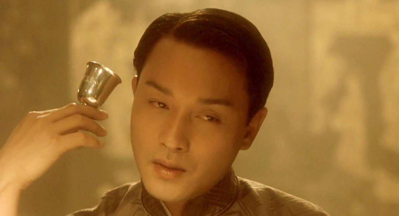 #这个视频666#豆瓣评分9.6,华语电影的巅峰之作《霸王别姬》哥哥简直神演技