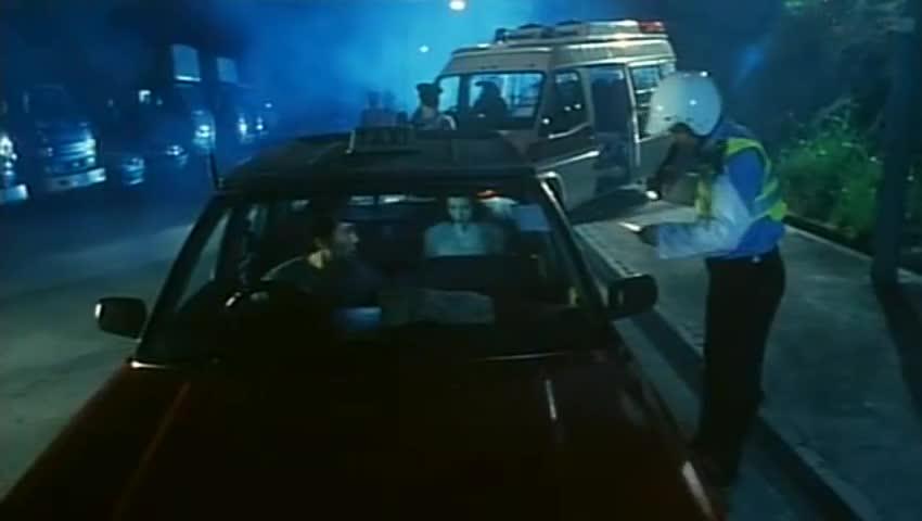 #电影片段#的哥明明车上有客,交警却说他车上没人,的哥直接蒙了