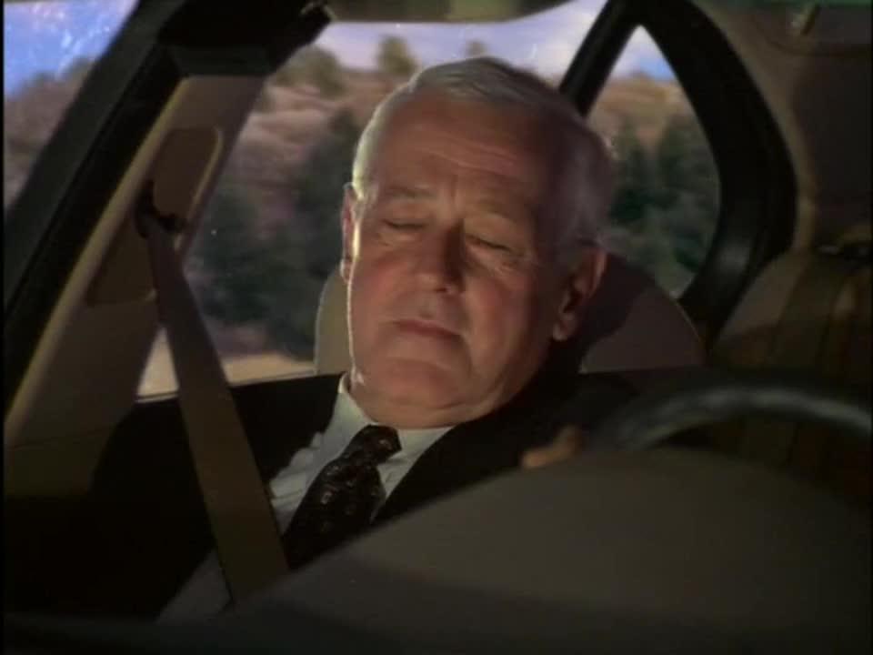史上最惨婚礼,女主爱上司机,新郎竟给他们当起司机?