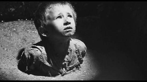#经典看电影#《辛德勒的名单》:可怕的不是战场残酷,这段看的让人心惊胆颤