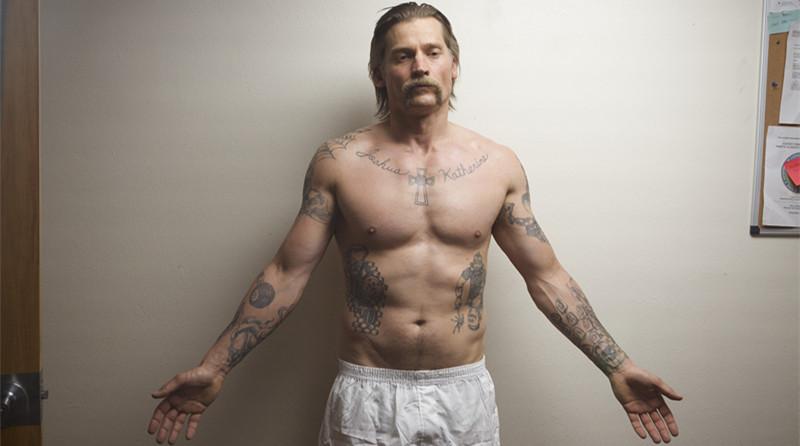 #经典看电影#男子入狱10年,被迫加入黑帮,在狱中为了保护家人大开杀戒!