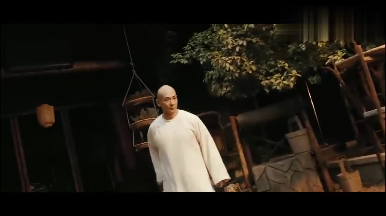黄飞鸿之南北英雄:黄飞鸿大战变异人,徒弟:师傅连鬼都打得过?