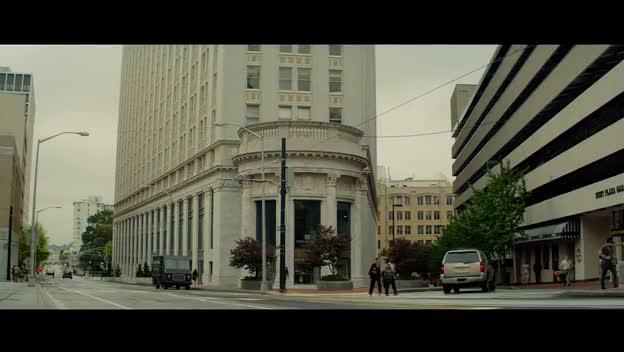 劫匪花式抢劫银行迅速直击