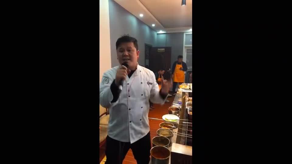 被烧菜耽误的厨子不是个好歌手!