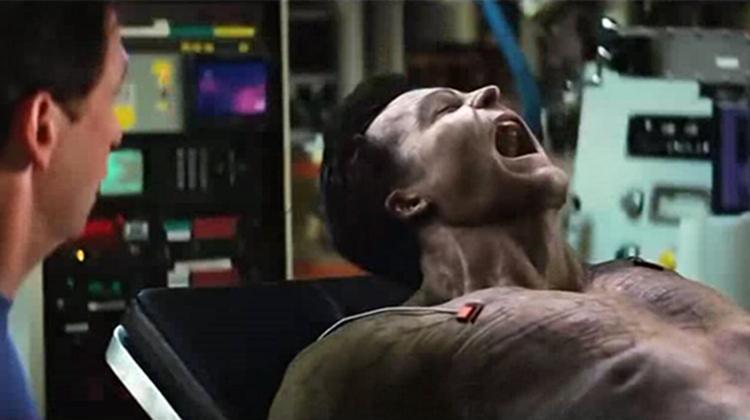 #经典看电影#穷小伙被辐射后拥有了超能力,只要愤怒,就能变成力大无穷的巨人